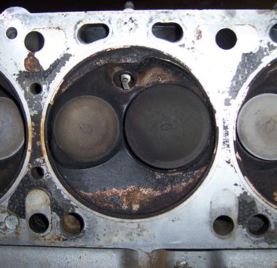 Culasses pourquoi changer et laquelle datsun france for Chambre de combustion moteur diesel