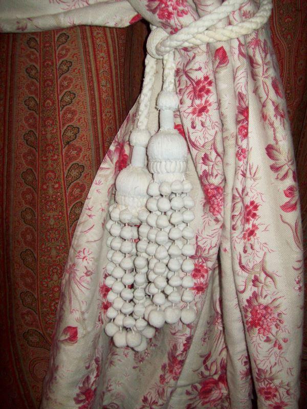 embrasses anciennes pour rideaux le blog de tissus anciens. Black Bedroom Furniture Sets. Home Design Ideas