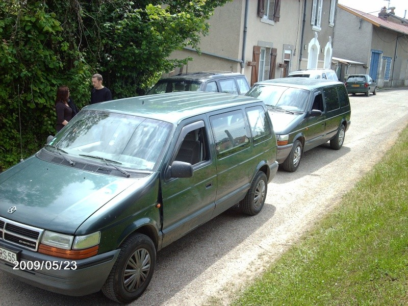 je vends toutes pi ces de chrysler voyager de 1991 a1995. Black Bedroom Furniture Sets. Home Design Ideas