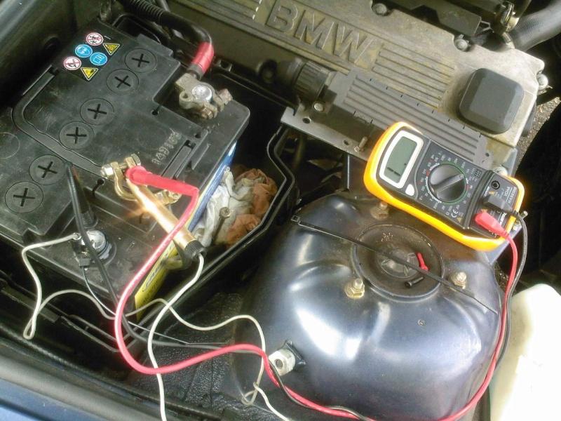 E36 m43 an94 batterie neuve se vide en 2 jours r solu - Lampe qui s allume en la touchant ...