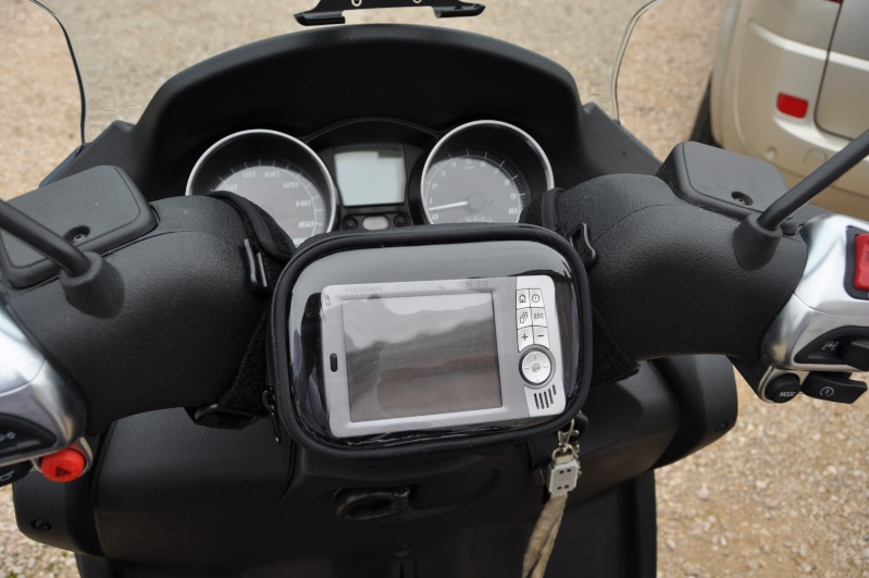 kit gps pour motos scooter easy rider. Black Bedroom Furniture Sets. Home Design Ideas